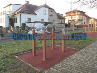 78902f3ce46 Realizaci venkovního cvičiště provedla firma Colmex s.r.o.. Workout Park  Praha 9 - Hloubětín