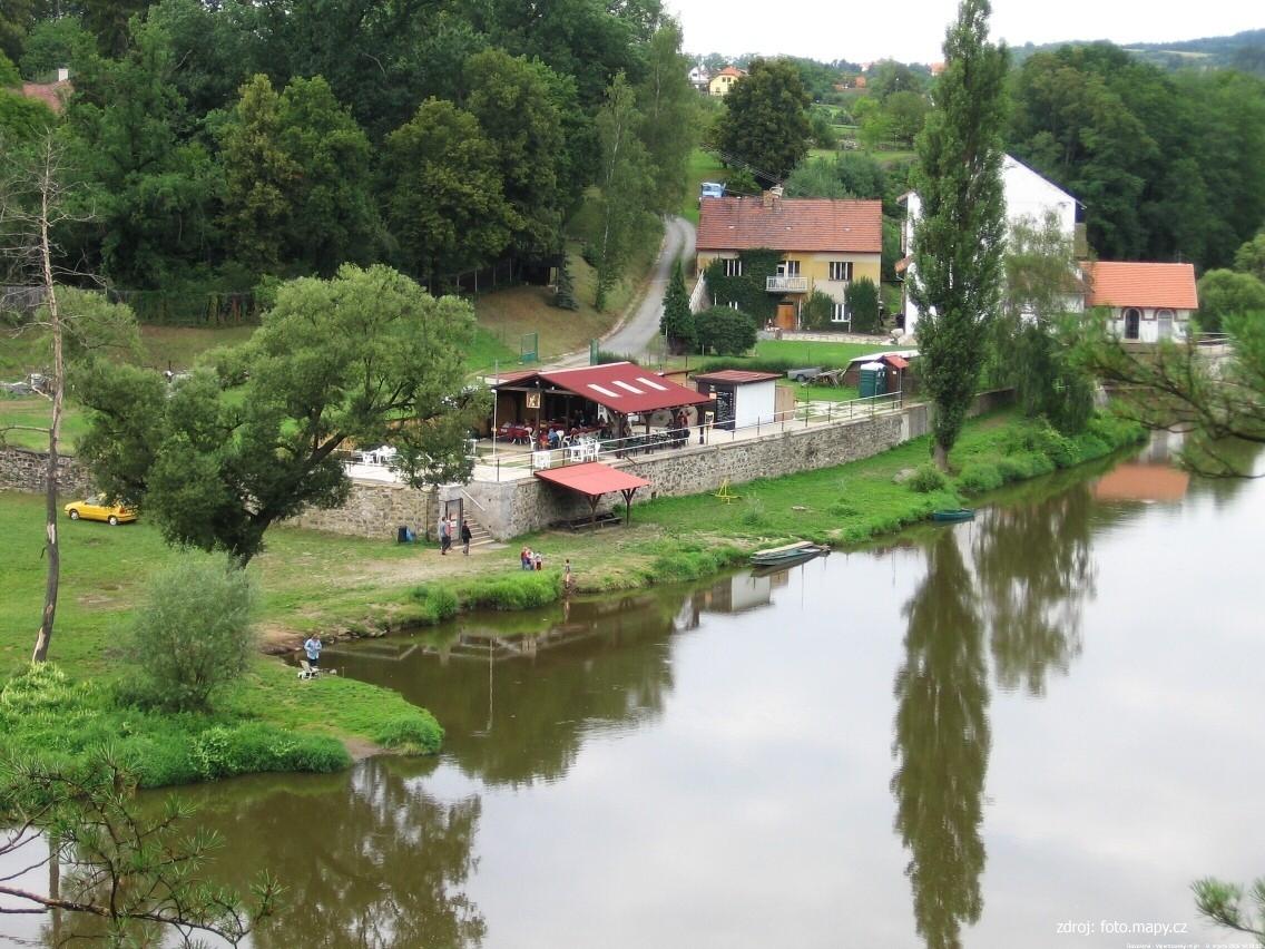 """Vodácké tábořiště Valentovský mlýn ( """"U Jezu"""") - Nadryby"""