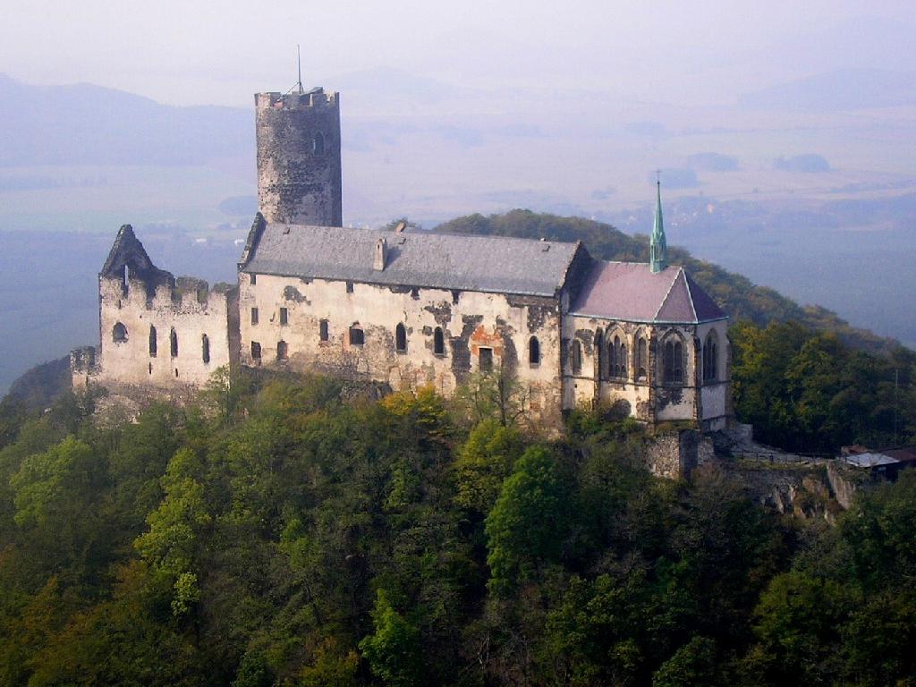 Nový hrad pa datování
